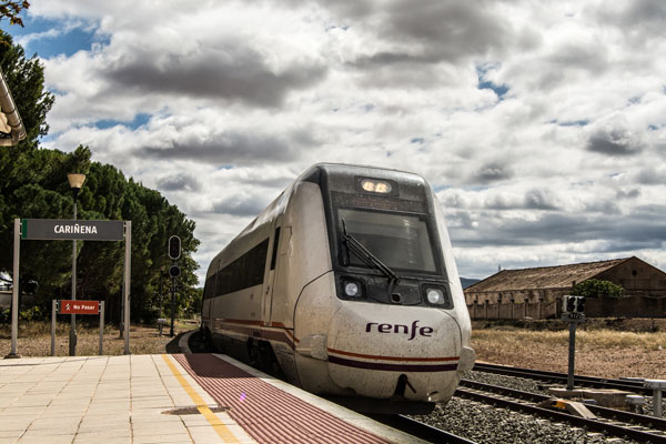 Transporte: Tren Zaragoza-Valencia